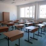 peste-4.000-de-piese-de-mobilier-ajung-scoli-pentru-clasa-pregatitoare1345025813
